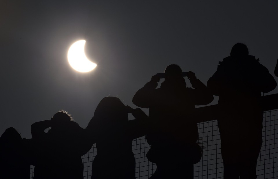 britain-europe-solar-eclipse-9084eab8f51dc8d5